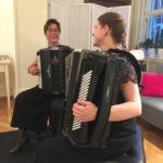 Die Musikerinnen Katharina Büeler und Nadine Bösing
